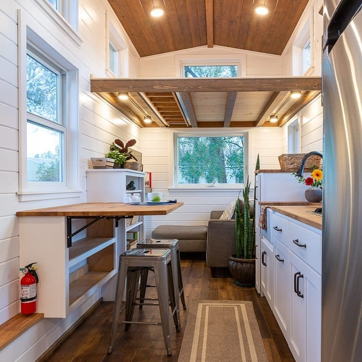 To give you some inspiration, we have found 35 small house design ideas. There are modern style, bohemian Style, rustic home style ideas and more. So, take a look.   soflyme.com