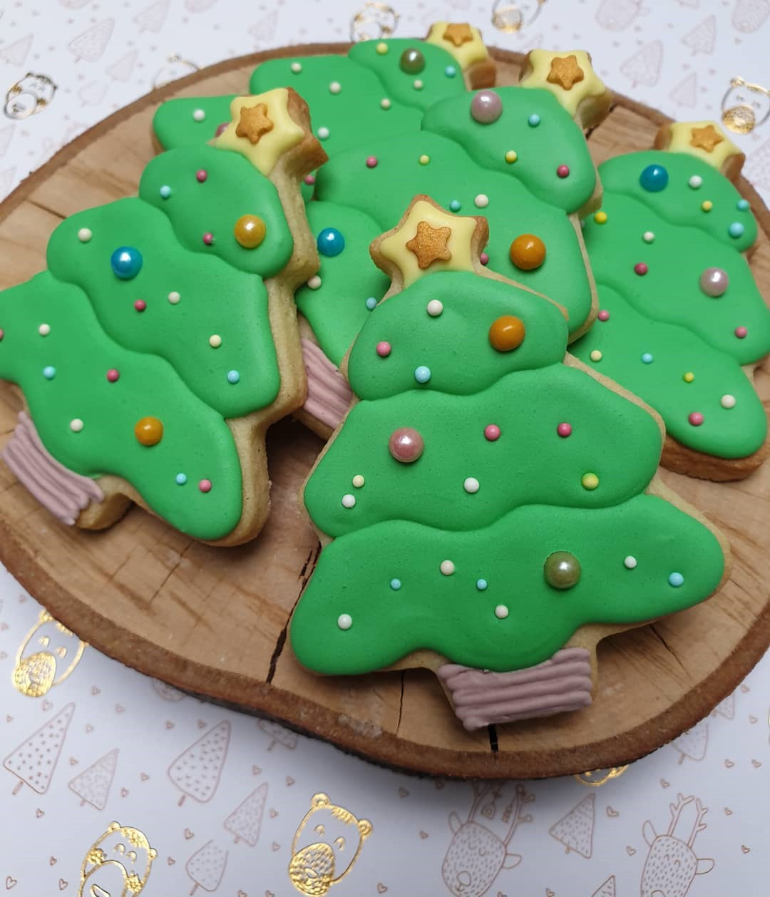 Christmas biscuits for kids, Want even more easy christmas cookie ideas? Then this is the place to be! To get you inspired, we have found 40 christmas biscuits for your kids. You Have to Try. #Christmas #ChristmasBiscuits #ChristmasCookies