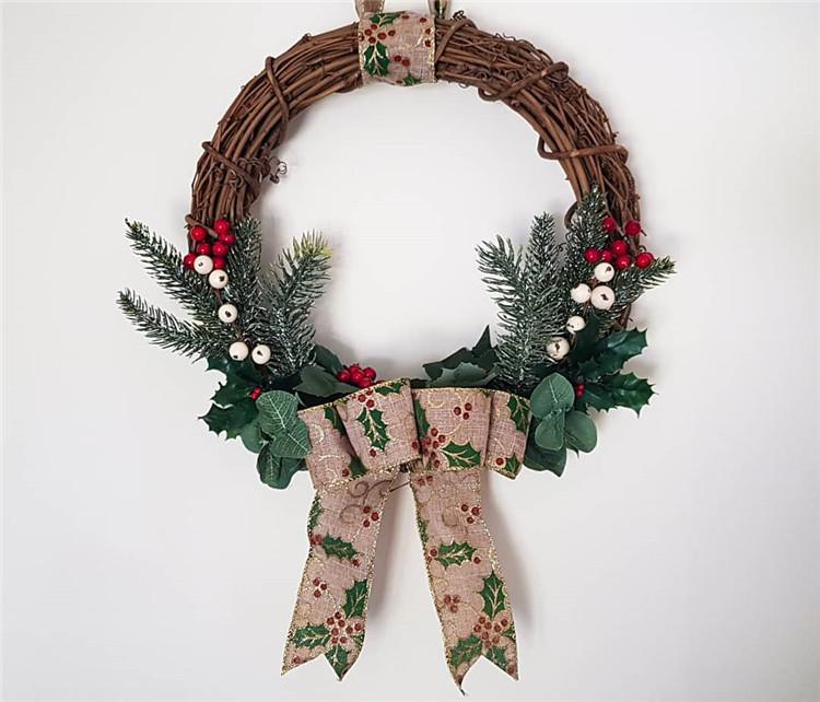 160 Easy Ideas for DIY Christmas Wreaths, christmas wreaths, christmas wreaths diy, christmas wreaths for front door, christmas wreaths diy easy, christmas wreaths on windows, christmas wreaths diy dollar stores