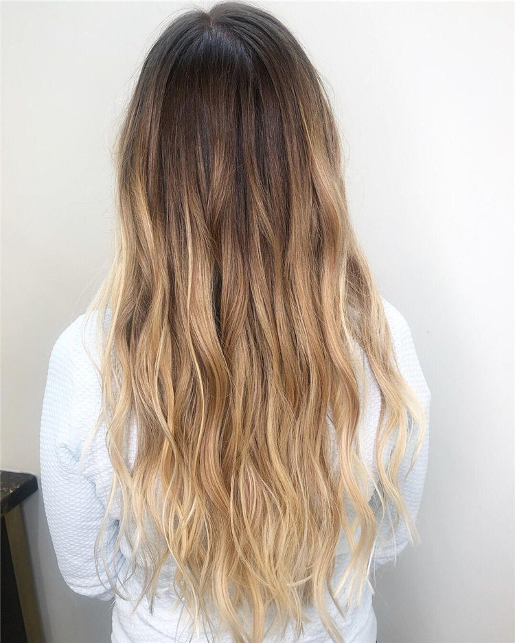 Balayage Ombre Hair Color Ideas For 2019; Balayage hair; balayage hair blone; ombre hair; ombre hair color; hair; hairstyle; #hair #hairstyles; #BalayageHair #BalayagehairBlone #OmbreHair; #OmbreHairColor