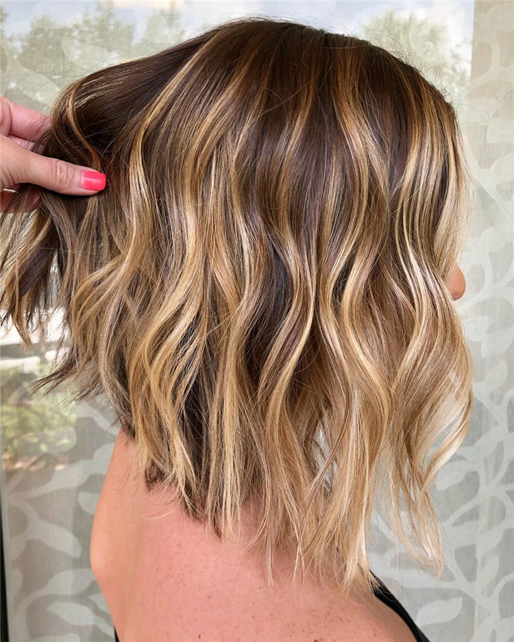 46 Wavy Bob Hairstyles That Suit The