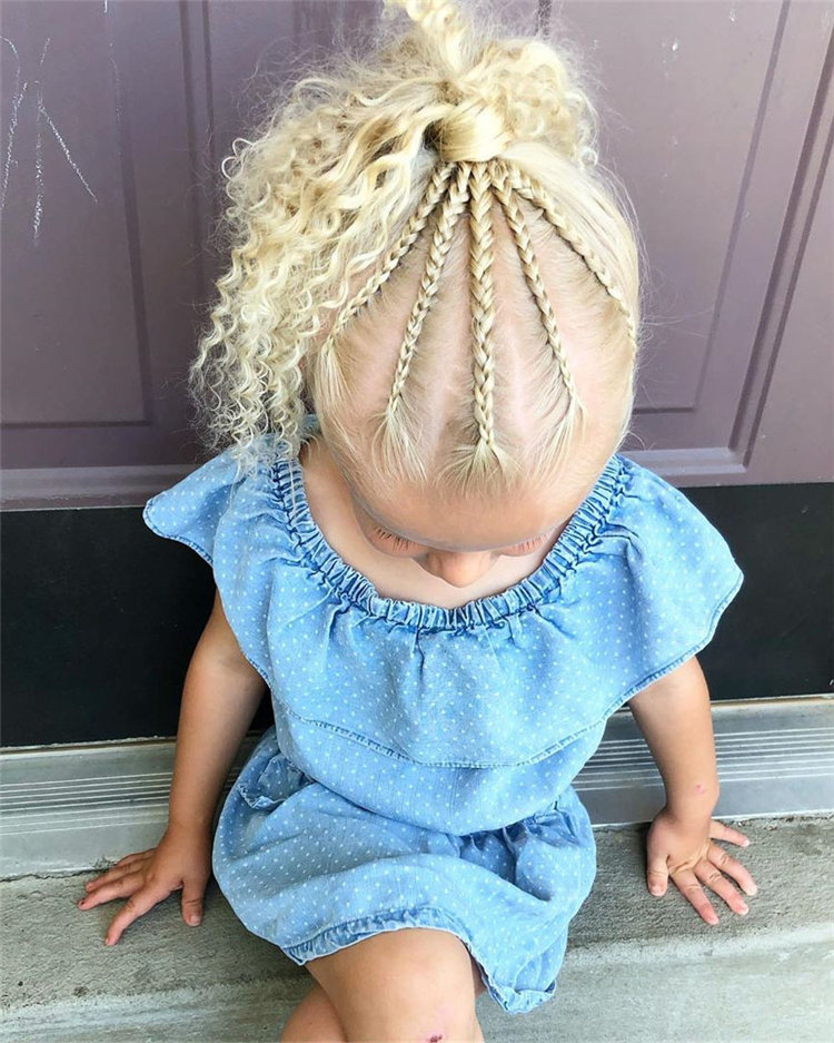 If you are looking for a simple and beautiful hairstyle for your child, then you must not miss these braided styles. The hairstyle shared with you this time is very suitable for little kids. If anyone tried these ideas, please share a photo with me.