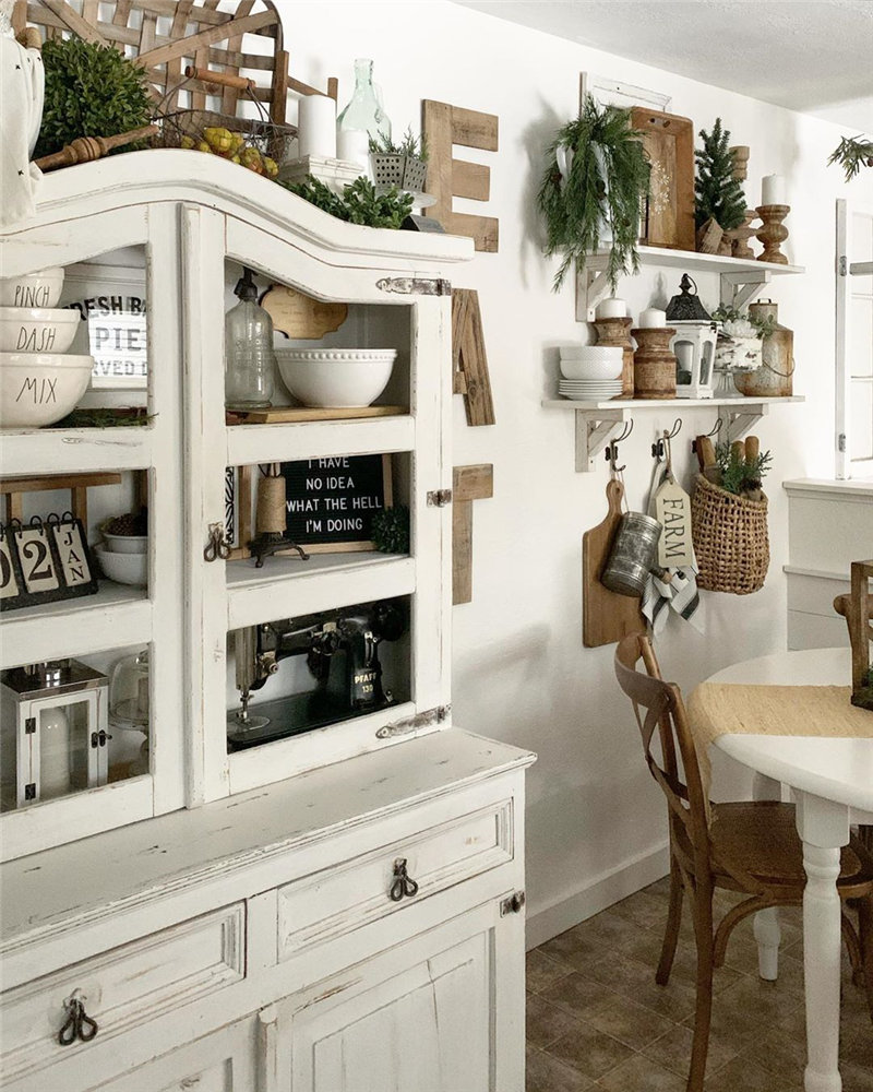 45 awesome kitchen decor ideas, them looks so edgy and stylish. Take a look at and choose your favorite kitchen design. #KitchenDecor #KitchenIdeas   Soflyme.com