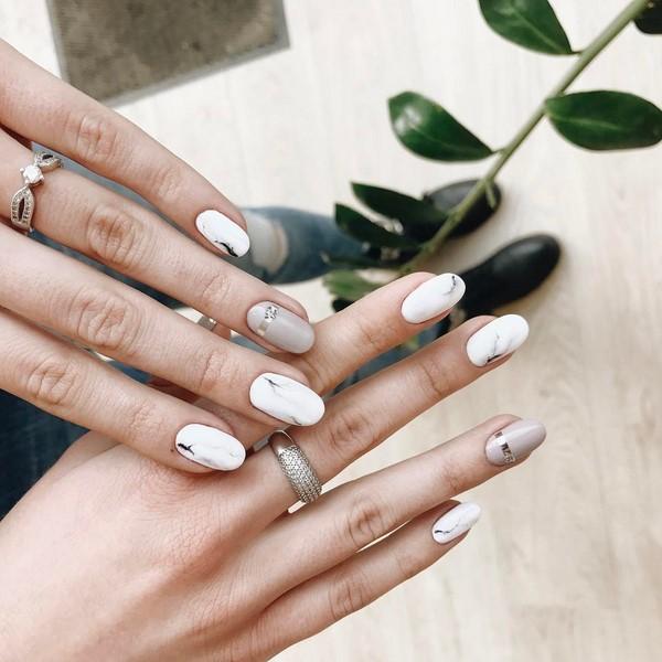 Almond-shaped Nails Art Ideas