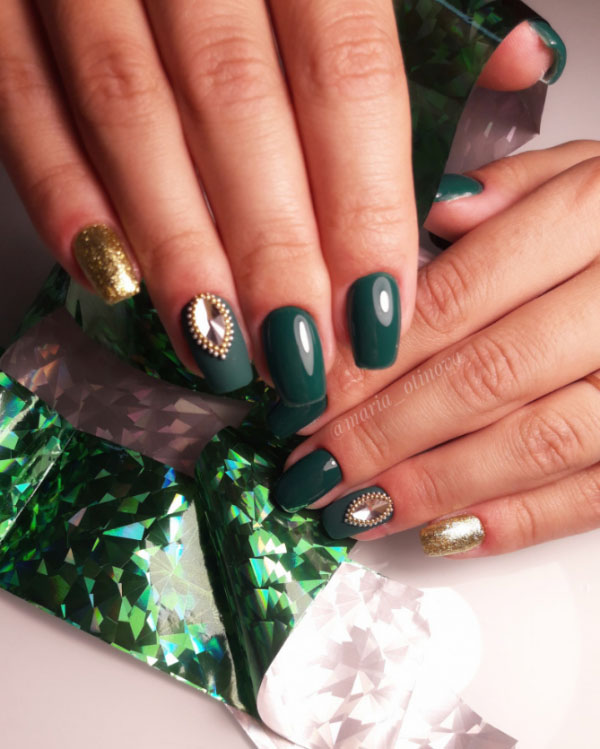 How fashion nails design to please their marigolds this fall, and what stylish novelties of the autumn nails art design ideas 2019 will beautifully complement the everyday or evening outfit, we suggest to look in today's photo review of the latest versions of autumn nail design.