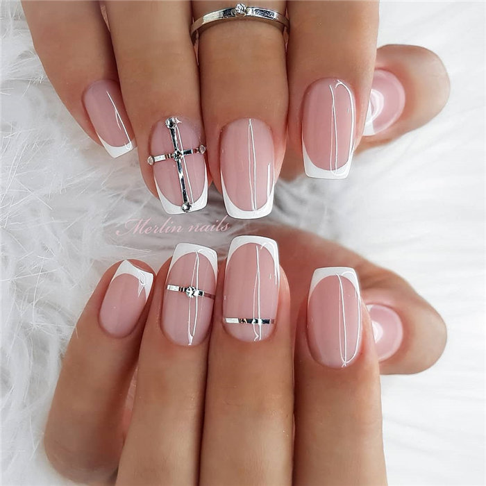 Light pink gel with an ombré sparkle nail design | Nail