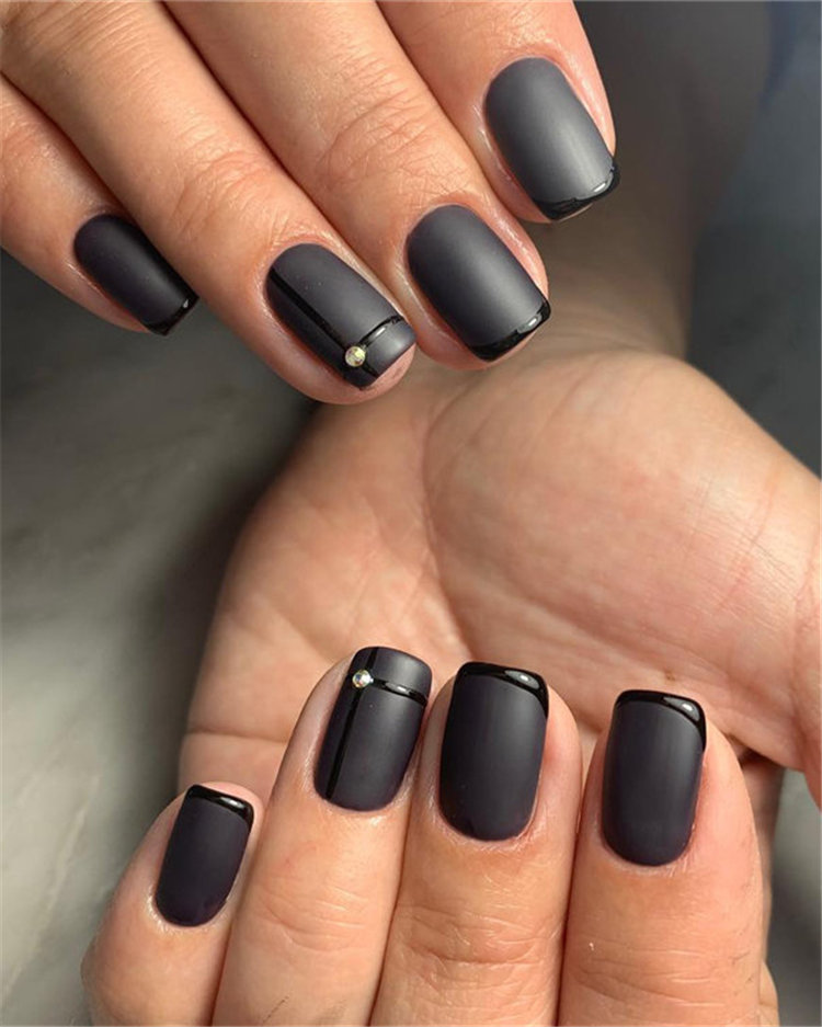 Elegant Black Nails Design Ideas Exceptional Look 2019; black nails; black nails 2019; black nail designs; black nails acrylic; black acrylic nails; #blacknails #blacknaildesigns