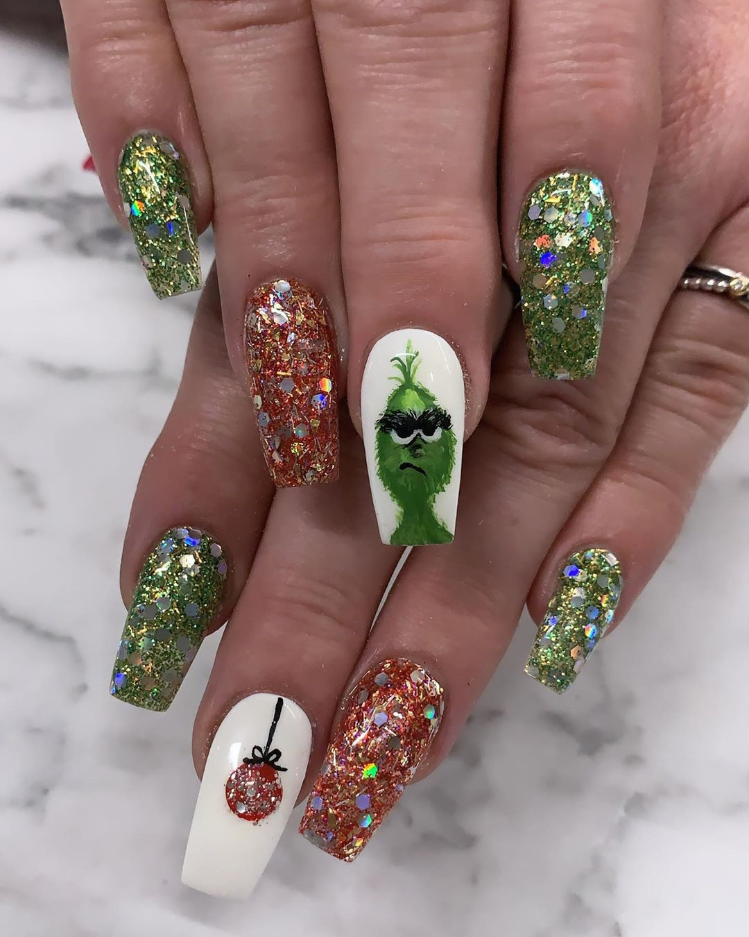 80 Easy Christmas Nail Art Ideas Soflyme