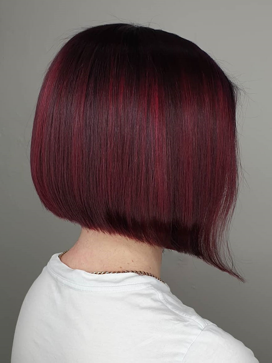 Want change hairstyle or color? Why not try maroon, wine, burgundy hair color? To get you inspired, we have found 50 chic burgundy hair color ideas. BurgundyHair, burgundy hair color, maroon hair color ideas.