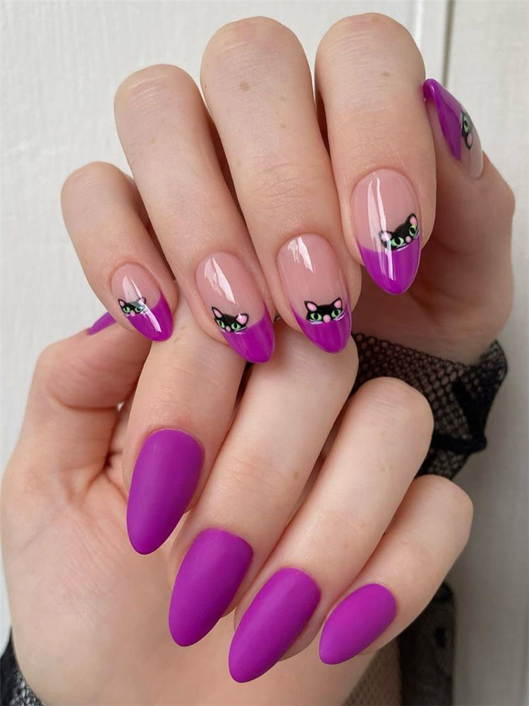 Next, we have 10 cats nails for Halloween. Some cats nails looks cute while some looks spooky. Take a look and get nails design inspiration. #HalloweenNails #CatNails