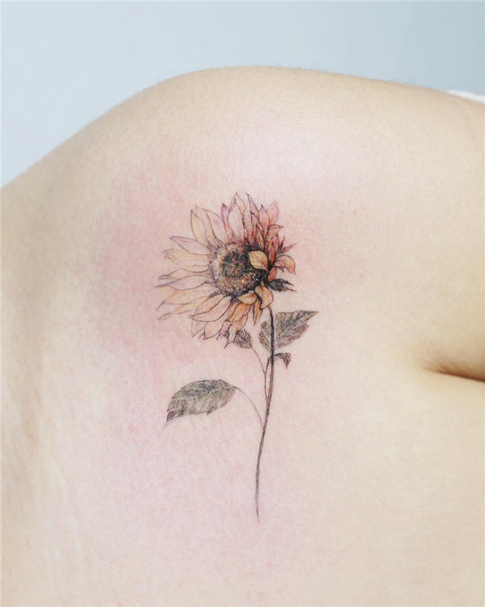 Sun Flower Tattoos for Women 2019, #FlowerTattoos, #SunFlowerTattoos