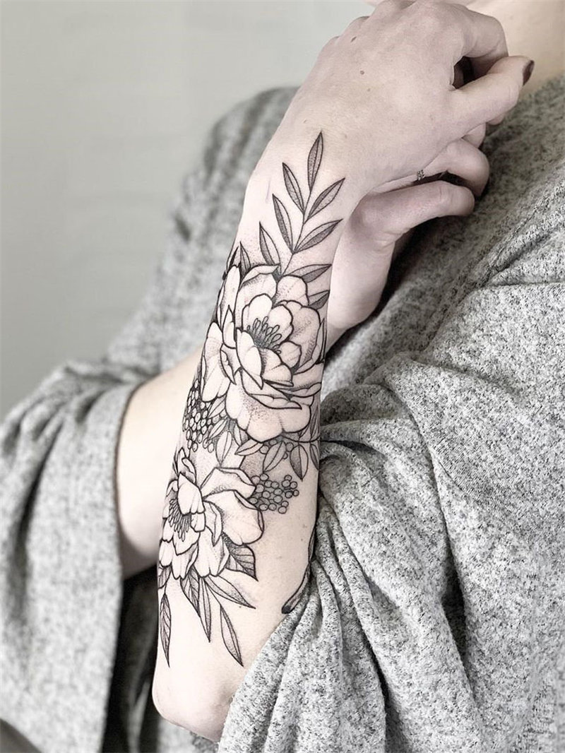 60 stunning flower tattoos design, and from romantic rose tattoos to peony tattoos, from cute small tattoos to gorgeous tattoos and will bright your body. Try and enjoy! | Soflyme.com