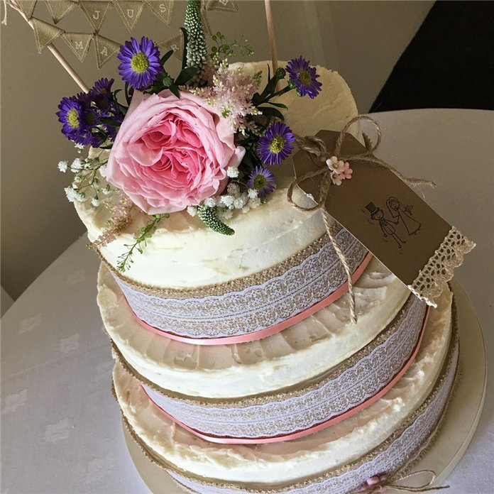 Valentine's Day Wedding Cake Design, #WeddingCake, #WeddingCakeDesign